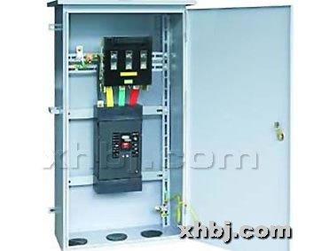 每次使用配电箱时,必须在漏电断路器合闸通电的状态